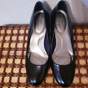 Dexflex low heels